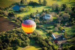 hot air ballooon over calistoga